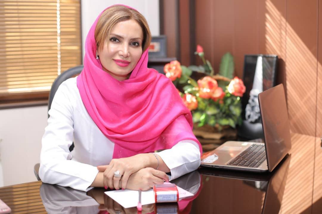 دکتر الهه ثناگو متخصص زنان و زایمان